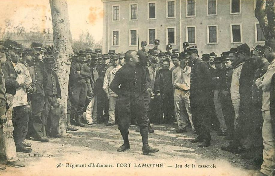 régiment d'infanterie au fort Lamothe