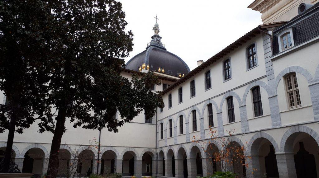 cour intérieur de l'Hôtel Dieu